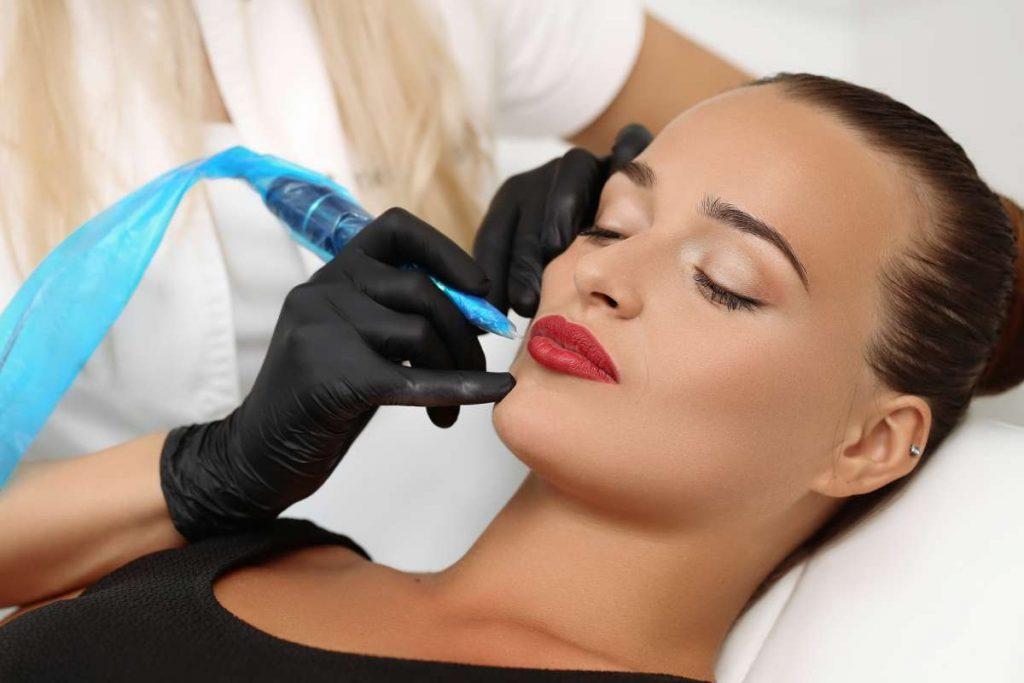 cosmetic full lip tattoo
